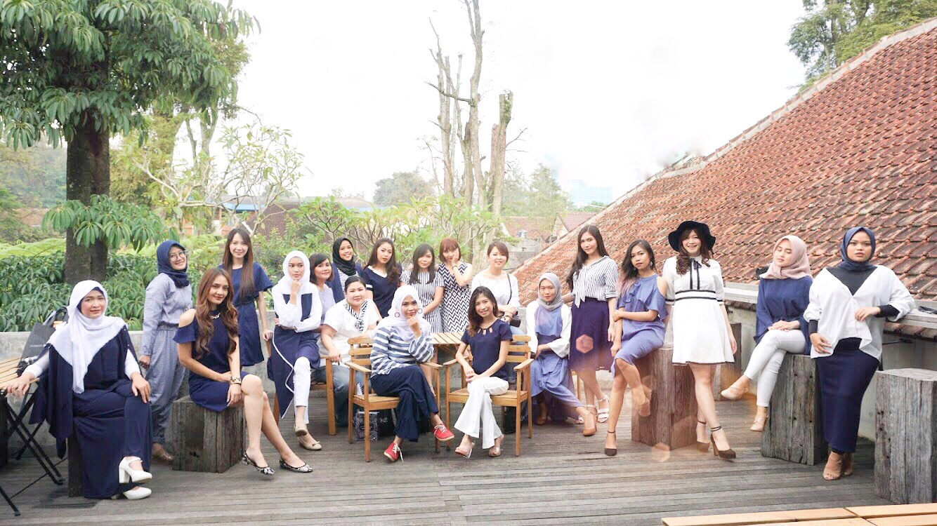 Bandung Beauty Blogger + GIVEAWAY : We Share, We Care, We Growing up together